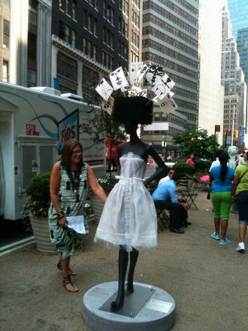 Isabel Toledo_SidewalkCatwalk