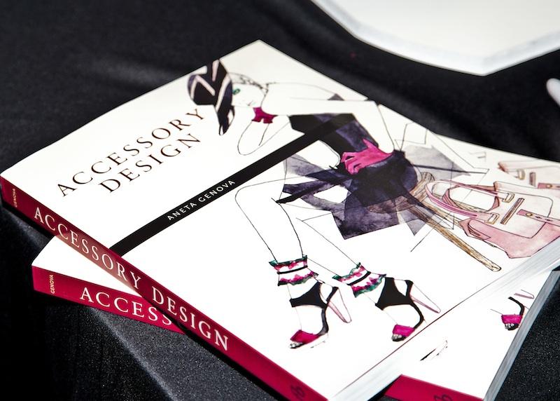 AccessoryDes_book_party_1
