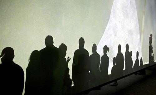 11_Doug-Aitken-Altered-Earth